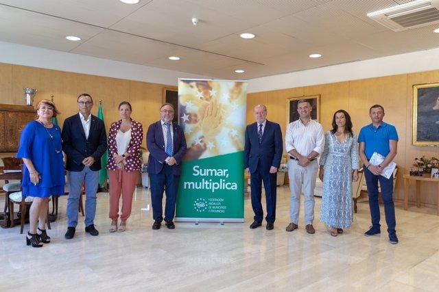 """FAMP.- Villalobos resalta el """"protagonismo"""" de ayuntamientos y diputaciones por su cercanía a la realidad"""