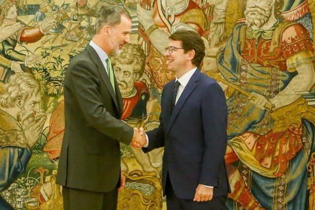 El Rey Felipe recibe en audiencia al presidente de la Junta de Castilla y León, Alfonso Fernández Mañueco