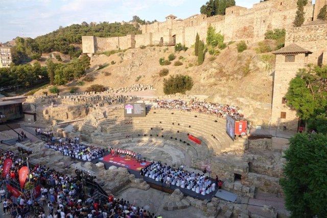Vista de la presentación de La Vuelta Ciclista a España en Málaga en 2018 en el Teatro Romano
