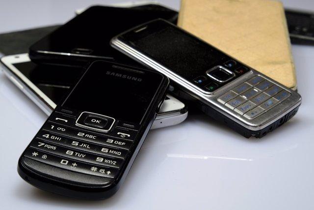 Teléfonos móviles con prestaciones básicas