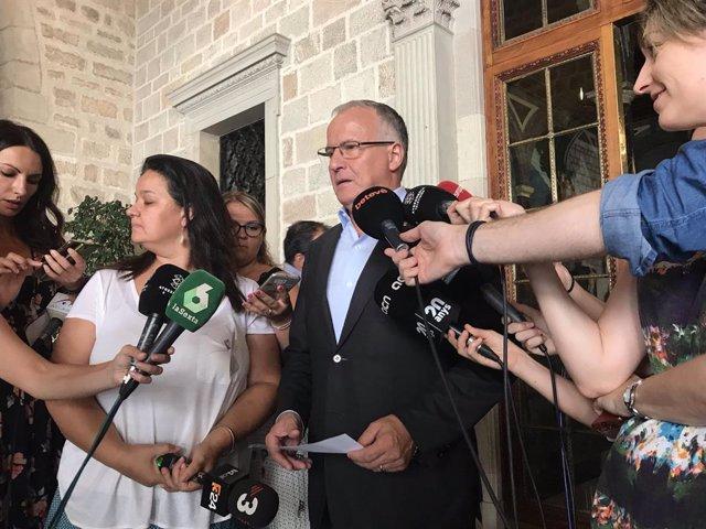Josep Bou en declaraciones a los medios
