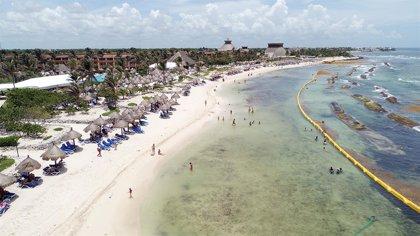 Bahia Principe reduce un 95% la presencia de sargazo en sus playas de Riviera Maya con un sistema de barreras