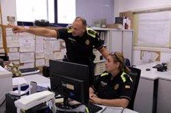 Les policies locals gironines reclamen estendre l'ús de pistoles de gas pebre, càmeres personals i drons (ACN)