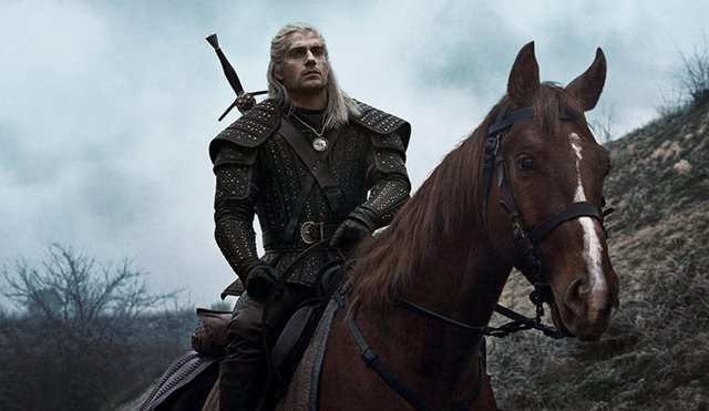 Henry Cavill es The Witcher