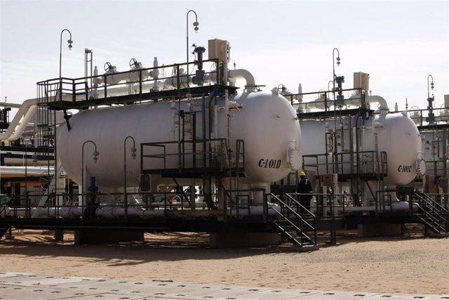 Imagen de archivo del campo petrolero de El Sharara