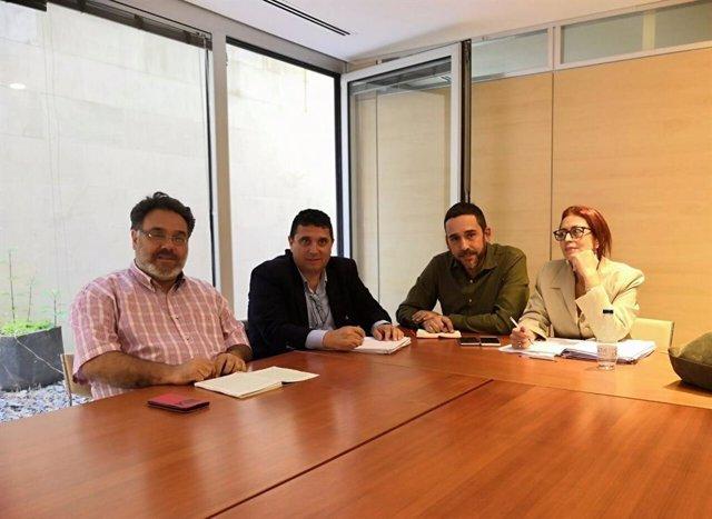 La concejal de Vivienda del Ayuntamiento de La Laguna, Elvira Jorge, y el concejal de Bienestar Social, Rubens Ascanio, se reúnen con el gerente de Muvisa, Carlos Díaz, y el consejero delegado, Juan Ignacio Viciana