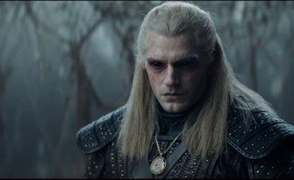 Magia, sangre y monstruos en el primer tráiler de The Witcher