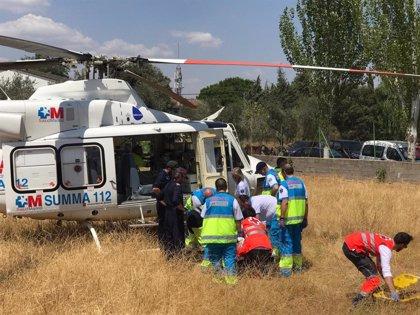 Una mujer de 76 años, trasladada grave en helicóptero tras ser reanimada en su piscina de Chapinería