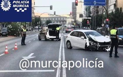 Detenido por conducir un coche bajo los efectos del alcohol y chocar con una farola en Ronda Norte