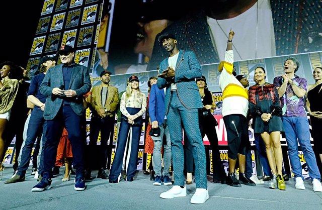 Mahershala Ali y Kevin Feige en la Comic-Con 2019