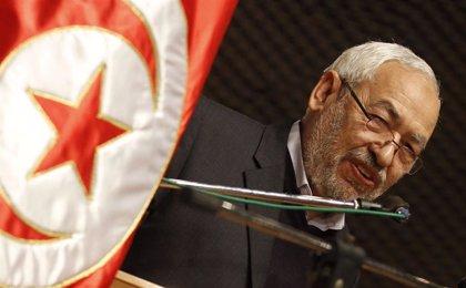 Ghannouchi encabezará la lista de los islamistas moderados de Ennahda para las elecciones parlamentarias en Túnez