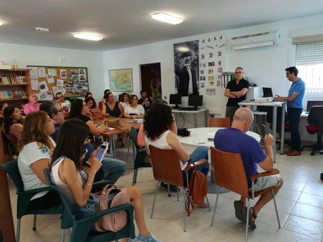Curso de administración electrónica en el centro Guadalinfo de Íllar