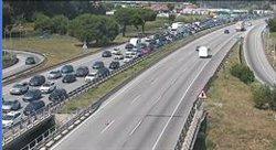 Un mort i dos ferits en un accident a l'AP-7 a la Roca del Vallès (Barcelona) (STC)