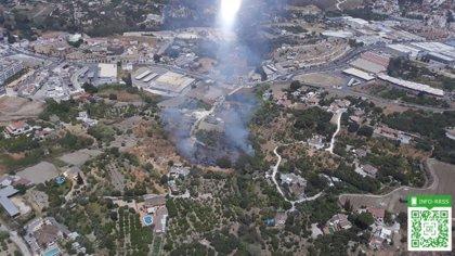 Extinguido el incendio declarado en las afueras de Coín