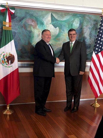 """Pompeo aplaude los """"significativos avances"""" de México para reducir la migración"""