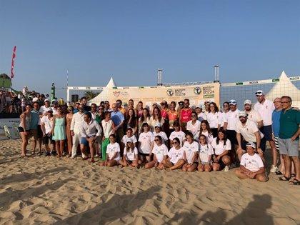Paula Soria y Belén Carro y Platre y Zanotta, ganadores del Madison Beach Volley Tour Isla Canela