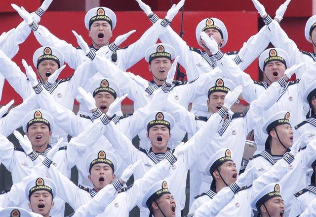 Militares de la Armada china en las celebraciones por su 70º aniversario