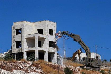 Israel demuele decenas de viviendas palestinas en Jerusalén Este