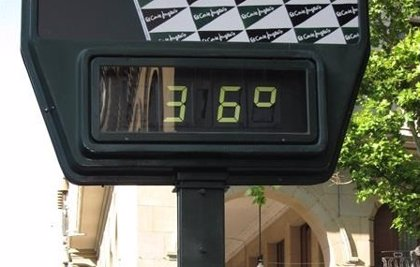 La setmana comença amb cels rasos i màximes de 36 graus