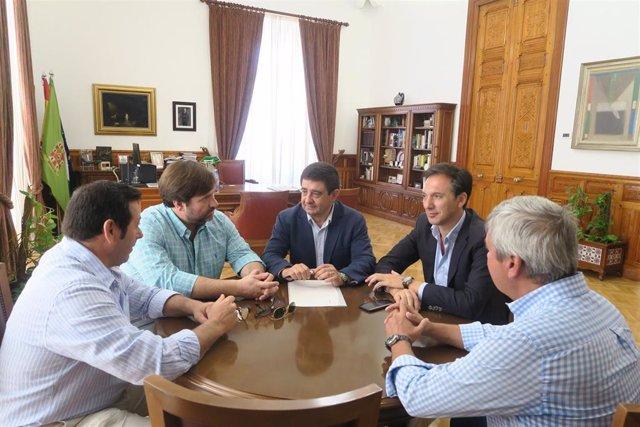 Reyes se reúne con los responsables de la CEJ