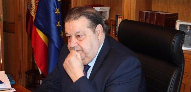 El expresidente de las Cortes de C-LM, Jesús Fernández Vaquero, ha sido nombrado este lunes nuevo senador por designación autonómica por el Parlamento regional, junto a Mayte Fernández y Carolina Agudo