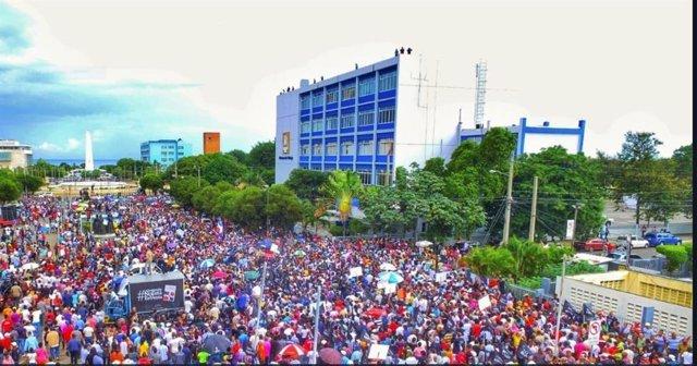 Manifestación contra la reforma constitucional en República Dominicana