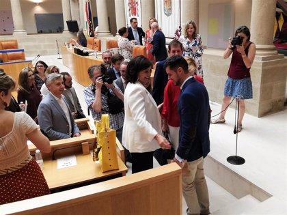 El socialista Raúl Díaz, elegido senador autonómico por La Rioja con el 'sí' de PSOE e IU y el voto en blanco de Podemos