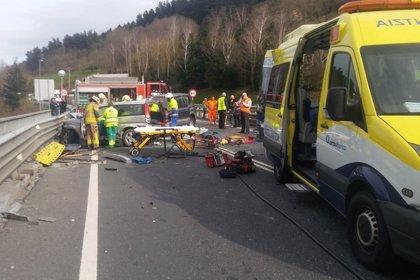 Un total 19 personas muere en las carreteras durante el fin de semana, cinco de ellos motoristas