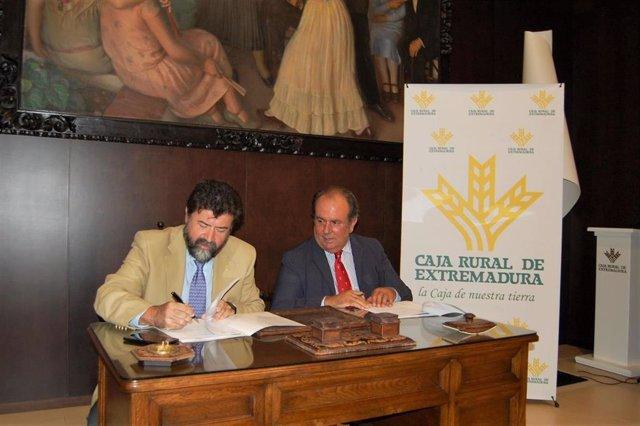 Caja Rural de Extremadura y la Creex firman un convenio de colaboración