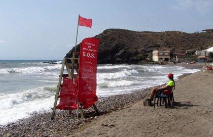 La bandera roja ondea este lunes en 15 playas de Águilas, Cartagena y San Javier