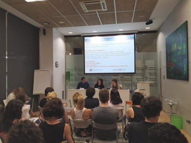 Ruben Goñi, María José Pérez, y Margarita Echauri durante la presentación de la web