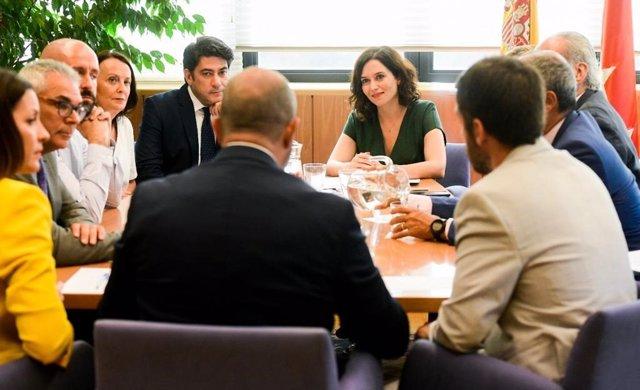 La portavoz del PP en la Asamblea de Madrid, Isabel Díaz Ayuso, se reúne con el equipo de Gobierno de la Comunidad de Madrid.