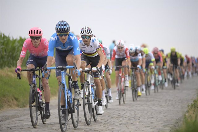 Alejandro Valverde durante la primera etapa del Tour de Francia 2019