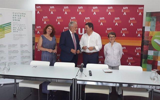 El Defensor del Pueblo Andaluz, Jesús Maeztu, en los cursos de verano de la Universidad Internacional de Andalucía (UNIA)