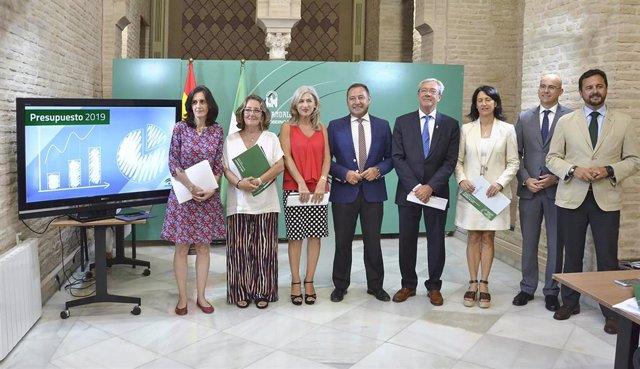 Presentación de los Presupuestos de la Junta de Andalucía para 2019 para la provincia de Sevilla.