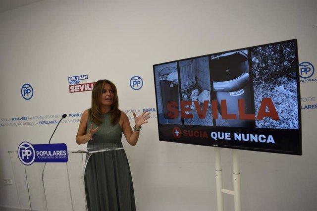 Evelia Rincón en rrueda de prensa.