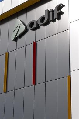 Adif, compañía pública titular y gestora de la red ferroviaria