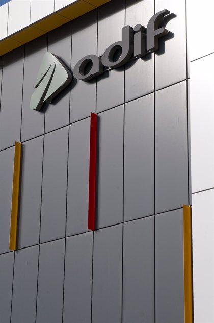 Adif seleccionará en diciembre las empresas que entrarán a competir con Renfe en el AVE