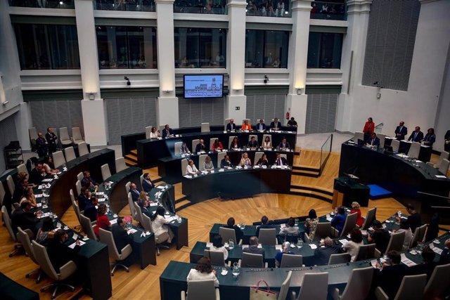 Pleno del Ayuntamiento de Madrid en el Palacio de Cibeles.