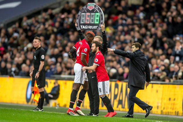 Juan Mata sustituye a Paul Pogba en un Manchester United-Tottenham