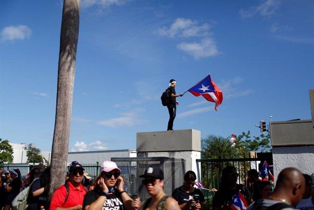 Protesta masiva en Puerto Rico para pedir la dimisión del gobernador Rosselló