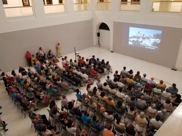 """Proyección del documental """"Bajo la duna"""""""