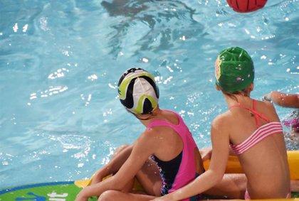 Fallece un niño de tres años ahogado en una piscina de plástico en Villalba (Huelva)