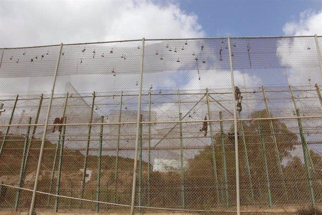 La valla de Melilla tras un salto masivo.