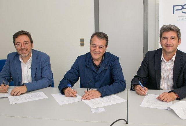 De izquierda a derecha: David Romeral, gerente del Clúster de Automoción de Aragón (CAAR); Juan Muñoz, director del Clúster Ibérico y de la planta de PSA Zaragoza; Ángel Fernández, consejero delegado de Itainnova.    Gerente del CAAR, David Romeral.