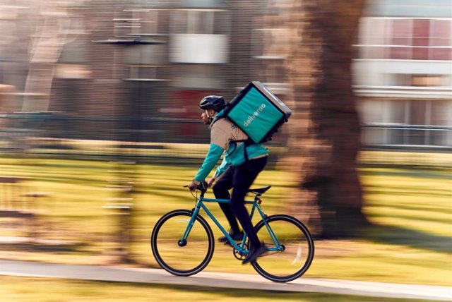 Imgen d'un rider de Deliveroo