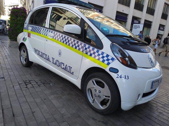 Coche, polícia Local Málaga, recurso. Patrulla barrio