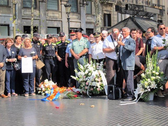 José Vargas, presidente de la Acvot, en su ofrenda del 1r aniversario del 17A