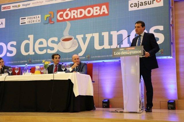El alcalde de Córdoba, José María Bellido (PP), interviene en los 'Desayunos de Diario Córdoba'.