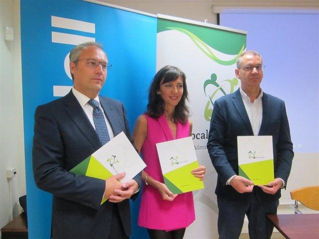 Los codirectores de la Red Localis, Concepción Campos y Alberto Vaquero, han presentado el documento 'Retos de los gobiernos locales 2019-2023'